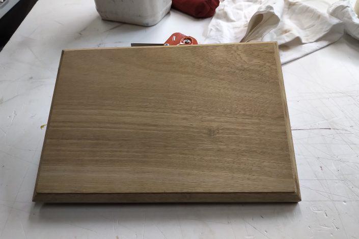 Socle pour une gravure sur bois vierge